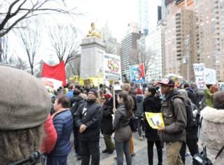 Митинг противников Дональда Трампа в Нью-Йорке 19 марта 2016 г.