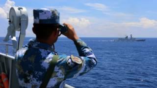 中國海軍在南海演習(中新社圖片8/7/2016)