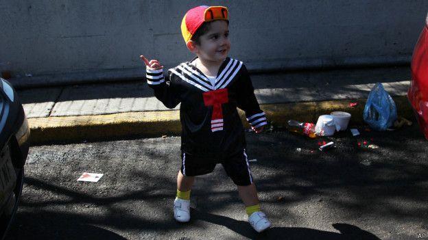 Niño vestido como Quico