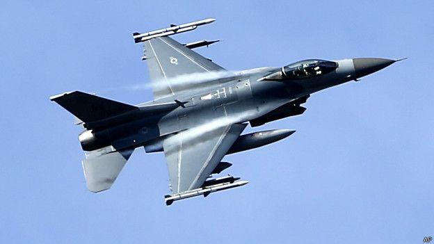 Aviones de la OTAN bombardean Moscú en un acto sin precedentes