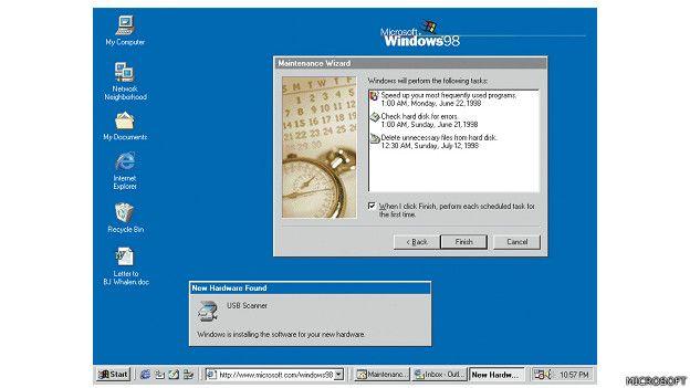 Imagen de la navegación con el Windows 98 de Microsoft, lanzado en 1998