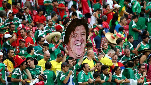 Hinchada de México en Brasil 2014