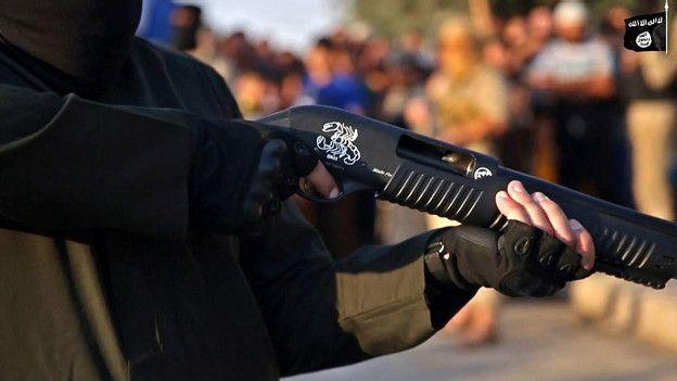 Винтовка в руках боевика ИГ