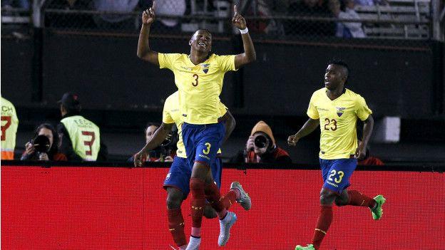 Frickson Erazo celebra su gol ante Argentina