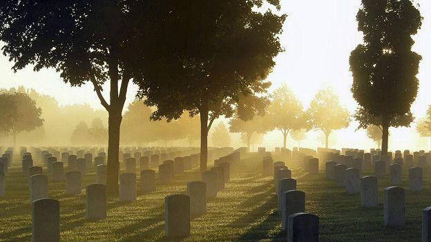 Стоит раз-другой задуматься о могиле, и ваши предрассудки и предубеждения изменятся