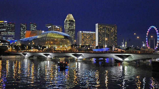 Сингапур как магнит притягивает иностранных специалистов, особенно в сфере маркетинга, финансов и информационных технологий