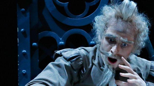Actor interpretándo al Quijote