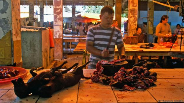 160503175557_indonesian_minahasa_food_2_640x360_theodorasutcliffe_nocredit