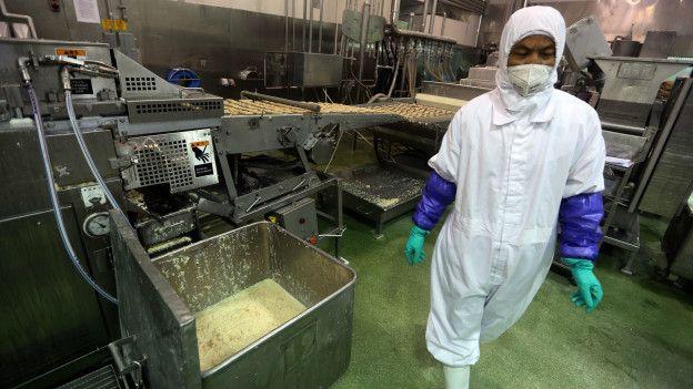 Empleados de la planta de Husi Food