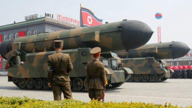Misiles de Corea del Norte en exhibición.