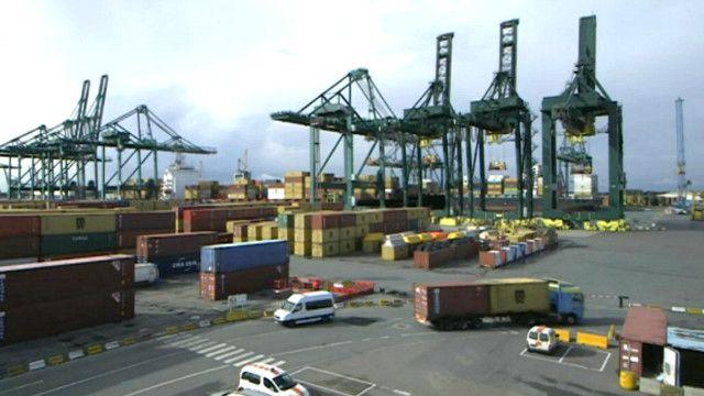 ميناء انتويرب في بلجيكيا