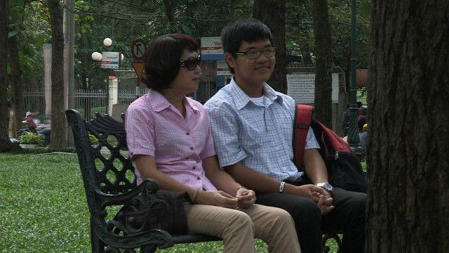 Bà Đinh Ly và con trai Teddy Nguyễn