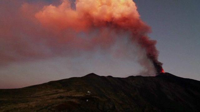 Etna em erupção na Sicília. Foto: reprodução de vídeo