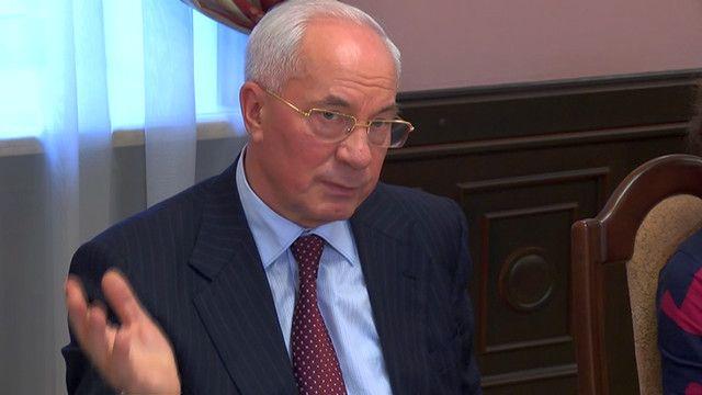 Азаров: Росія багато вимагає, але нічого не обіцяла