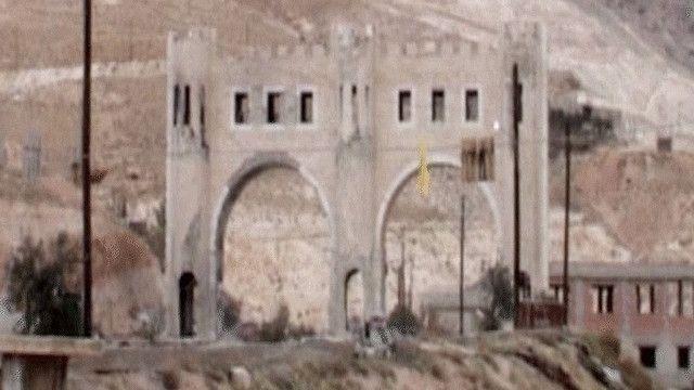 إحدى مداخل بلدة معلولة شمال دمشق