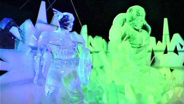 """شخصيات كرتونية في """"سحر الثلج"""" ببروكسيل"""