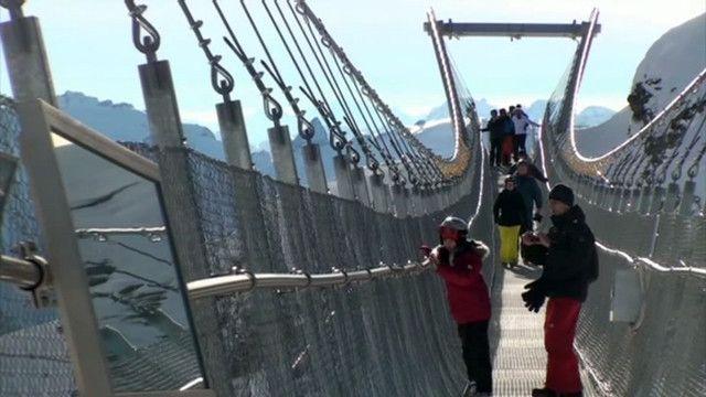 Гори та височінь: прогулянка найстрашнішим мостом світу