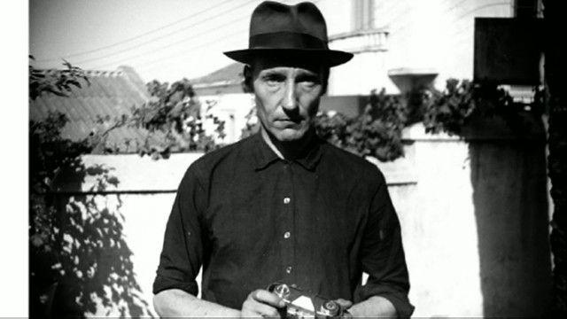 O autor americano Wlliam S. Burroughs, em um auto-retrato (BBC)