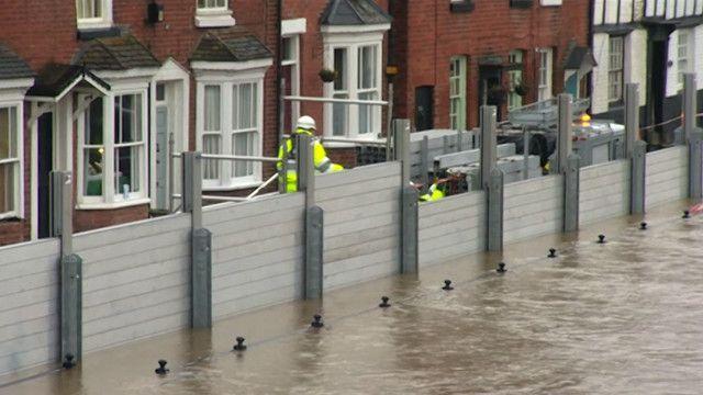"""فيضانات انجلترا """"الأسوأ منذ 240 عاما"""""""
