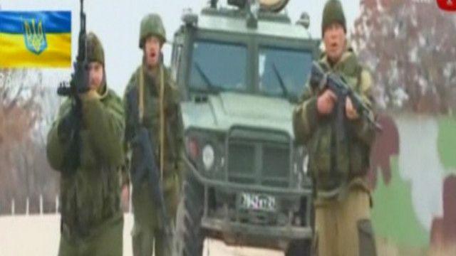 إطلاق نار أمام قاعدة عسكرية في القرم