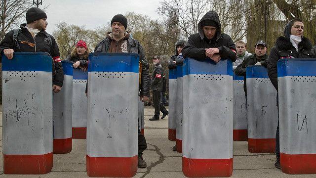 Пророссийские активисты в Крыму