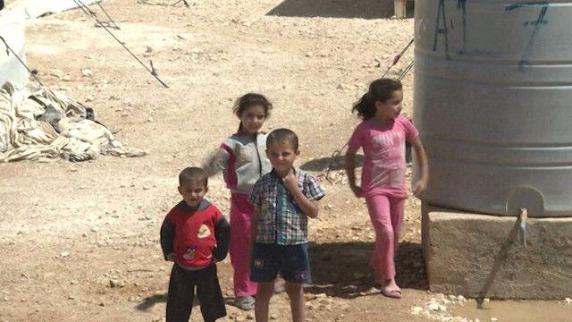 أطفال سوريين في مخيم للاجئين