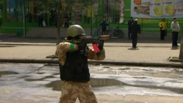 На Востоке строят баррикады и мечтают об СССР