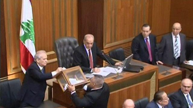 البرلمان اللبناني يختار رئيس جديد للبلاد