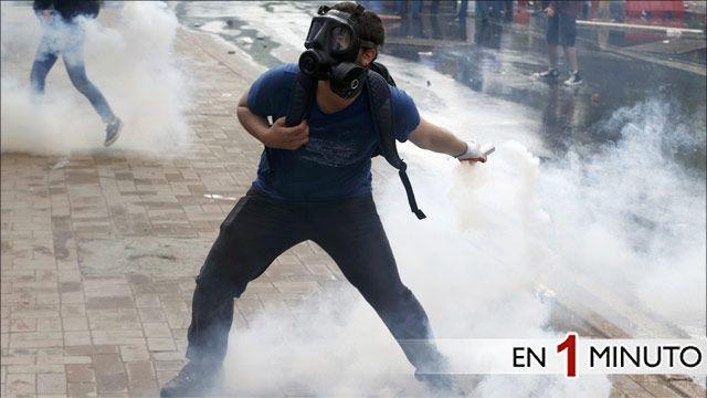 Manifestante en Estambul