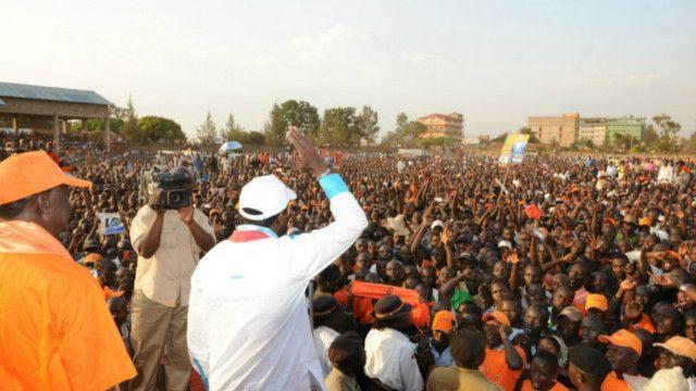 Raila Odinga akizungumzia kura ya maoni Kenya