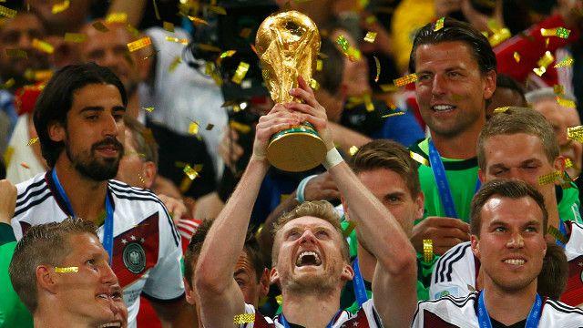 Alemania alza la copa