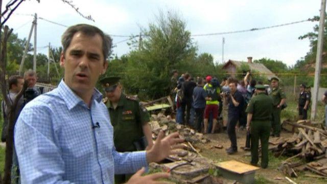 Россия привезла военных атташе к границе