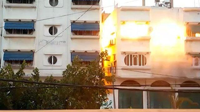 Ataque principal ocorreu quatro minutos depois de a casa ser atingida por 'míssil de advertência' (BBC)