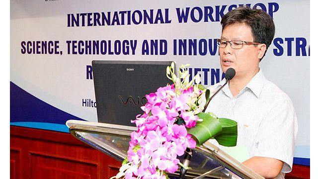 TS. Bạch Tân Sinh