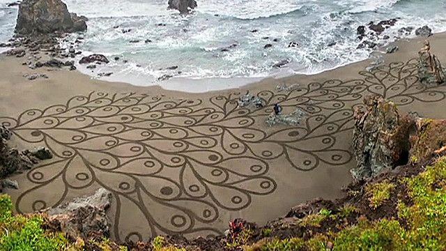 रेत पर कला
