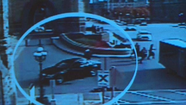 Polícia divulga imagens inéditas de momento que o atirador invade o Parlamento