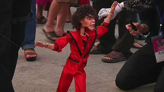 Puppet which looks like Michael Jackson