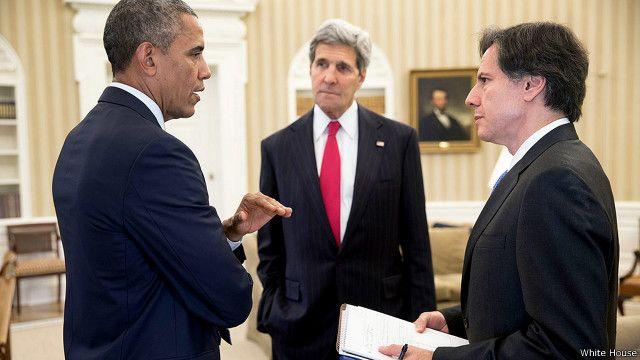 वरिष्ठ अधिकारीहरुसंग राष्ट्रपति ओबामा