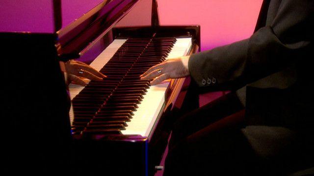 左手钢琴家尼克•麦卡锡