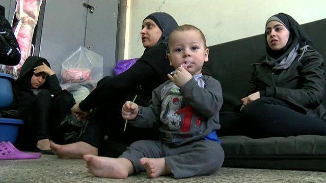 Refugiados no campo de Yarmouk (BBC)