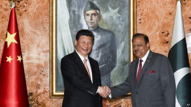 Председатель КНР Си Цзиньпин и президент Пакистана Мамнун Хусейн