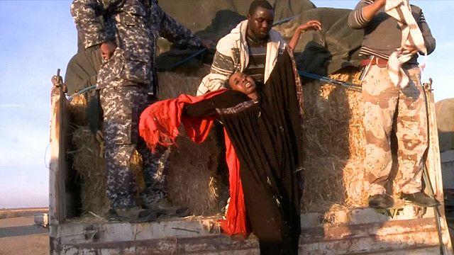 Многие мигранты из Африки добираются до Ливии полуживыми