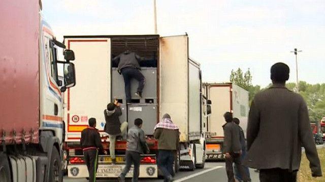 Мигранты у города Кале