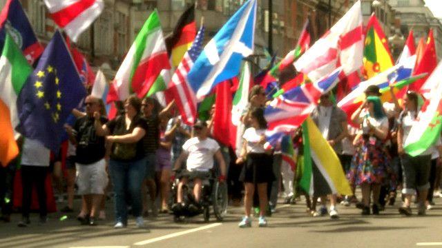 Tuần hành vì quyền của người đồng tính và chuyển giới tại London 2015
