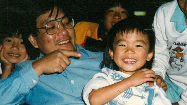 Tim Fung khi còn nhỏ và cha