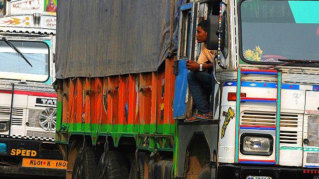 भारतीय ट्रक चालकहरु