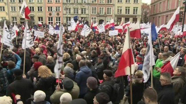 Người biểu tình tại thủ đô Vacxava của Ba Lan