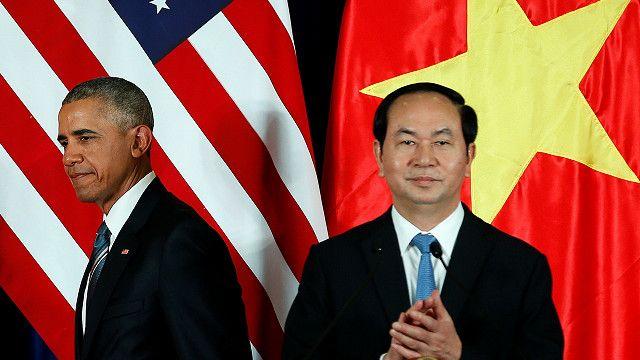 obama_in_vietnam_