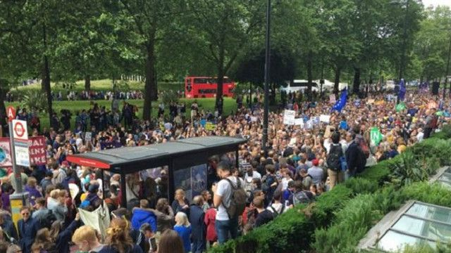 """EU we love you"" - лондонці вийшли на марш за Європу"