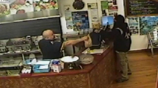 Власник кафе проігнорував грабіжника